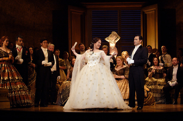 Debate: Should you dress up for the opera?