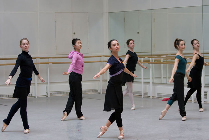 The Royal Ballet in Class